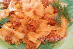 Farfalle cu sos de carne tocata si ierburi aromatice